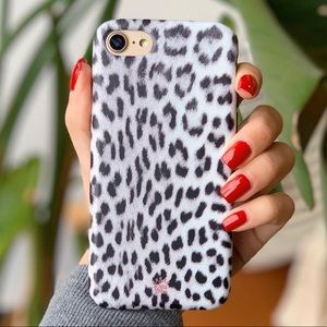 NWT - iPhone 8/7 snow leopard iPhone case.